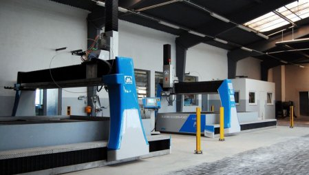 COBRA - NEW GENERATION CNC TABLES of PTV